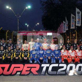los boxes abiertos dieron inicio a las actividades del super tc2000