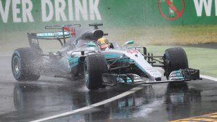 Hamilton superó el récord de Schumacher y largará primera en Italia