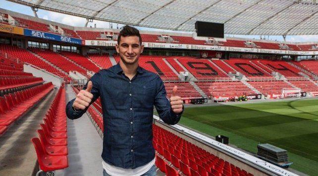 Lucas Alario se entrenó por primera vez en el Bayer Leverkusen