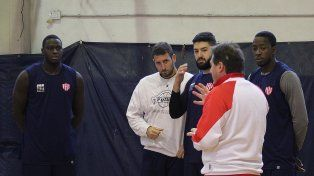 Unión entrena con plantel completo para la Liga Argentina de básquet