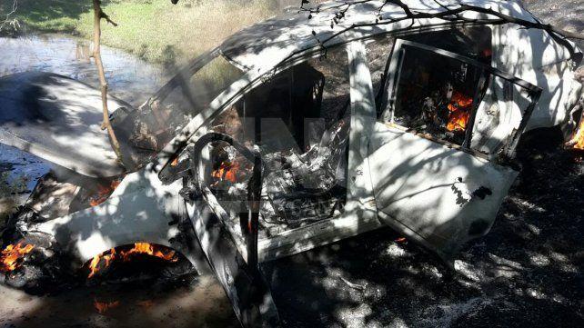 Hallan quemado en Santa Fe el auto del farmacéutico robado y privado de su libertad en Candioti