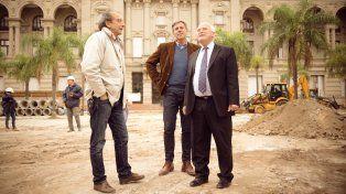 Lifschitz recorrió las obras de remodelación de la plaza 25 de Mayo, en la ciudad de Santa Fe