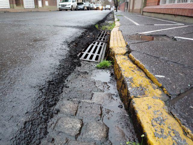 Pavimentación: solicitan que el asfalto no quede más elevado que las veredas
