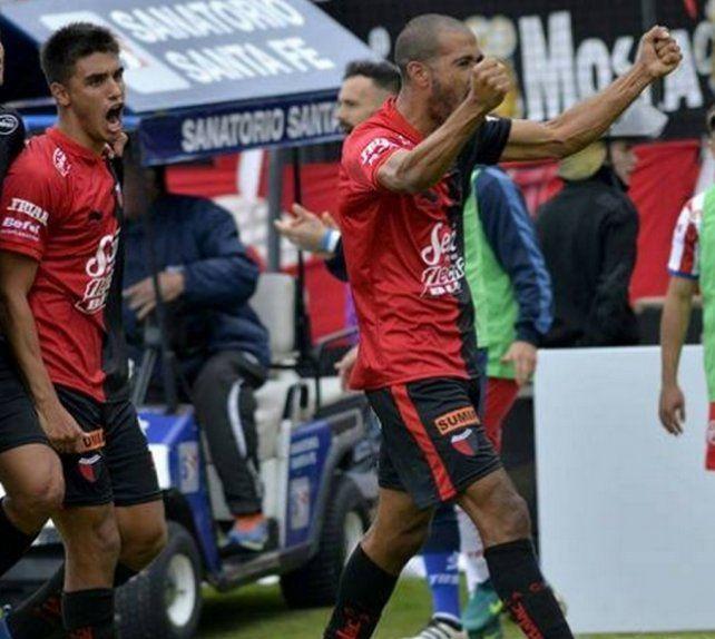 Las distintas duplas de ataque que probó Eduardo Domínguez desde su llegada