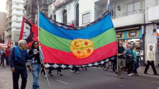 La comunidad Mapuche se movilizó en Rosario pidiendo por la aparición con vida de Santiago Maldonado