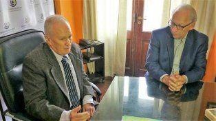 El reconocido politólogo francés, Alain Rouquié, visitó al defensor del pueblo de Santa Fe