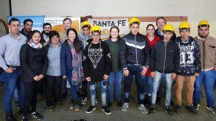 Jóvenes de las Escuelas de Trabajo reparan el Polideportivo La Tablada