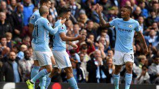 Agüero batió un récord, Manchester City goleó y es puntero