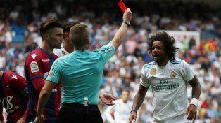 El Real Madrid empató con el Levante y se privó de ser líder