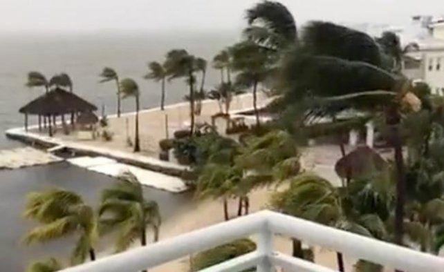 En este momento, el huracán Irma inicia el impacto directo en los Cayos de la Florida