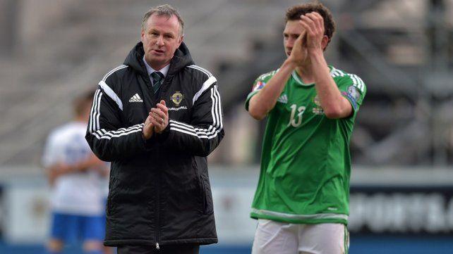El DT de Irlanda del Norte se pasó de copas