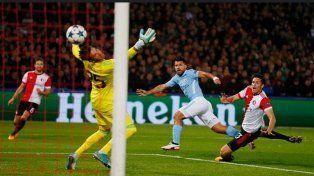 Con un gol de Agüero, el City goleó a Feyenoord en su estreno
