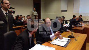 Audiencia. Rafael Grau ingresó a la sala sin esposas al igual que sus pares policiales.