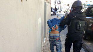 Uno de los detenidos. Uno de los jóvenes que quedó preso por apretar a la compradora de la vivienda