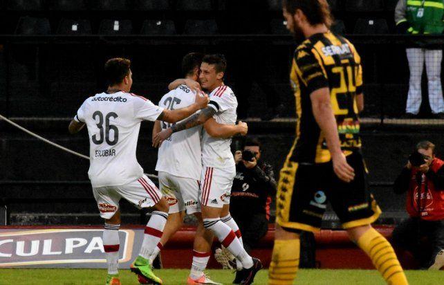 Newells busca su primera victoria en la Superliga