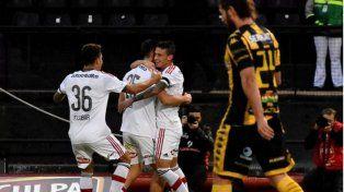 Newells consiguió su primera victoria del campeonato ante Olimpo en Rosario