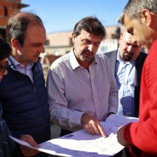 En construcción. Uno de los proyectos en marcha es la construcción de un edificio de viviendas en la intersección de San Martín y Azcuénaga.