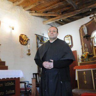 un cura mendocino asegura que francisco es un papa ilegitimo