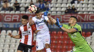 Estudiantes buscará la clasificación ante el duro Nacional de Paraguay