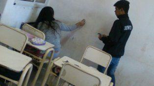 Cabaña Leiva: estudiantes secundarios ponen manos a la obra para embellecer su escuela