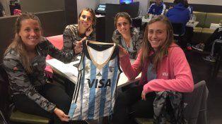 Actitud Solidaria sortea una camiseta de Las Leonas autografiada