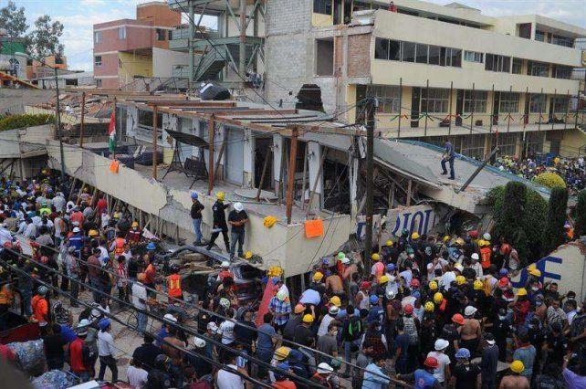 México: los socorristas están cada vez más cerca de Frida Sofía, la niña atrapada entre los escombros del colegio