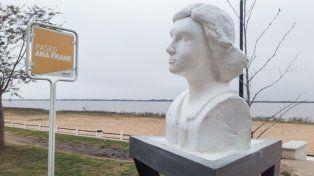 Restauraron el monumento a Ana Frank y ya está emplazado en la Costanera