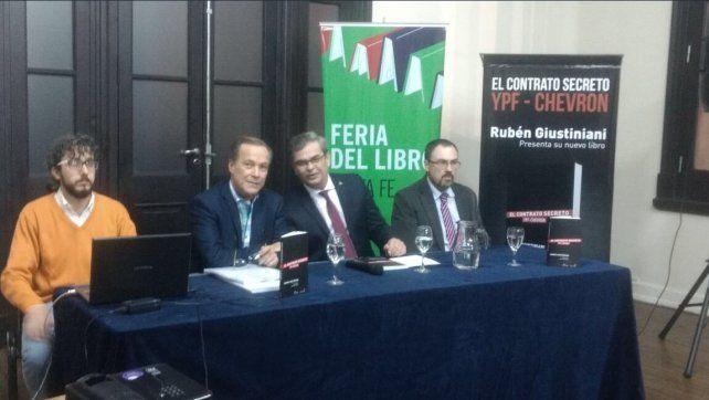 Giustiniani: El libro sobre YPF-Chevron es el triunfo del derecho al acceso a la información