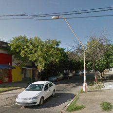 Sorpresa e indignación por el robo de un auto en la puerta de una casa de Bº Candioti Norte