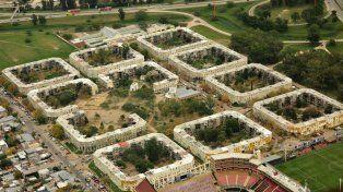 Conformación. Son 12 las manzanas y la plaza en el medio. El Club Colón es su principal vecino.