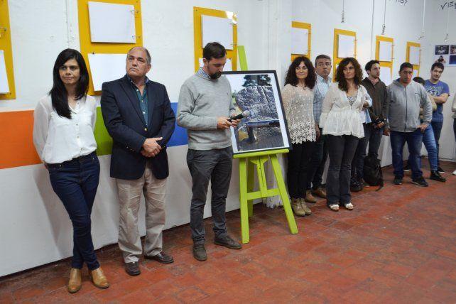 Se inauguró una muestra fotográfica en el espacio educativo Surgir