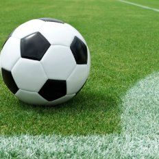 Falleció uno de los jugadores que disputaba un partido por la liga de fútbol en Rincón