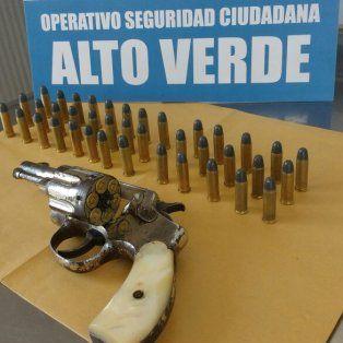 prefectura naval secuestro un revolver calibre 38 con 45 balas en un procedimiento en alto verde