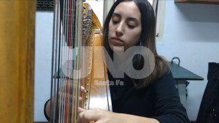 Su pasión por el arpa la llevará a representar el país en un festival de Madrid