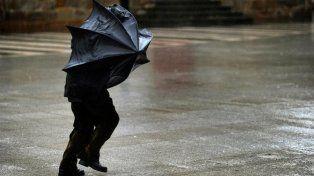 Anticipan tormentas y vientos de hasta 90 km por hora