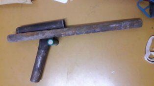 Sorprendieron a dos chicos de 12 y 13 años con una escopeta tumbera cargada