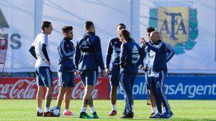 A la espera de Messi y otros futbolistas