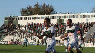 Un jugador que pertenece a Colón sufrió una grave lesión