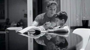 Cristiano Ronaldo escribió su emotiva historia de vida