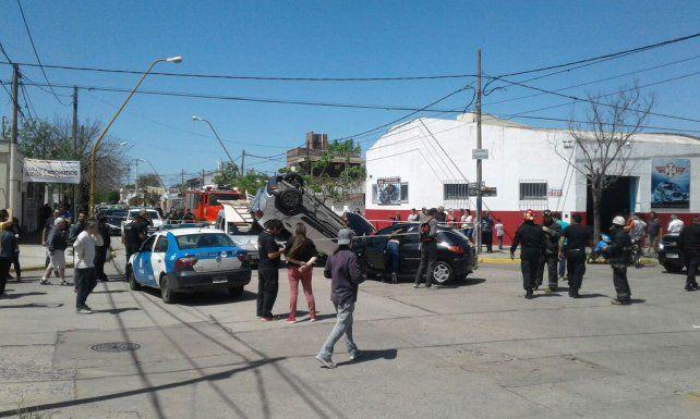 Barrio Sargento Cabral: grave triple choque con una mujer y sus dos hijas heridas