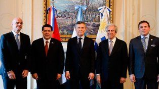 Se llevó a cabo la cumbre entre Macri e Infantino en Casa Rosada