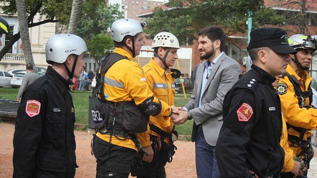 La provincia entregó nuevo equipamiento para los Bomberos Zapadores de la ciudad de Santa Fe