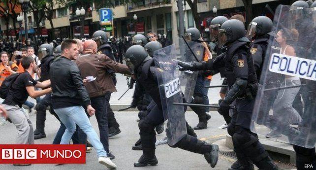 Represión brutal hubo en Cataluña el 1 de octubre cuando hicieron el referéndum.