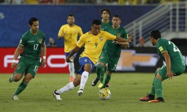 Bolivia y Brasil juegan para cumplir con el fixture