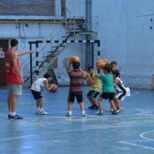 instituyen el programa de padrinazgo para clubes de barrio