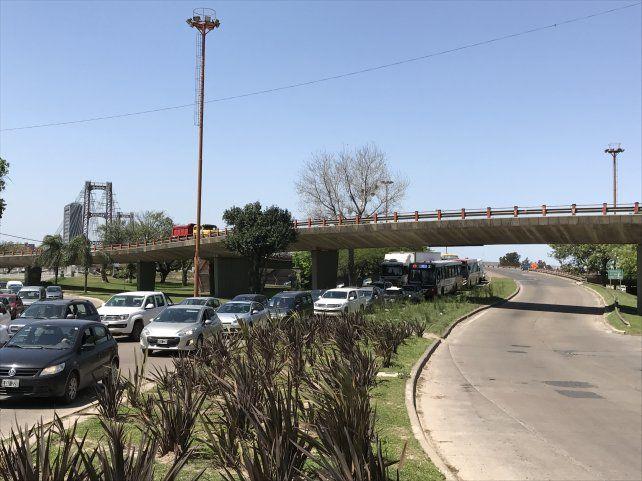 Puente Oroño: pasó otro día complicado para poder ingresar a la ciudad