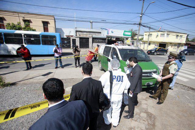 Un taxista hizo bajar a una mujer en trabajo de parto y el bebé murió en plena calle