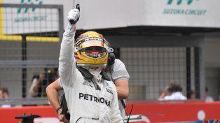 Lewis Hamilton hizo su 71ª pole y largará primero en Japón