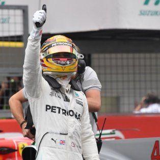 lewis hamilton hizo su 71ª pole y largara primero en japon