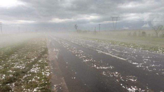 Destrozos en Corrientes por una fuerte caída de granizo